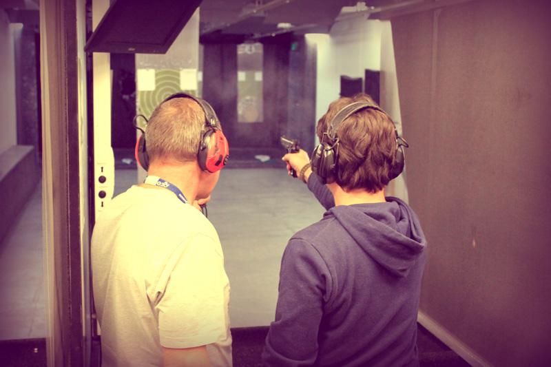 знакомство с оружием в тире